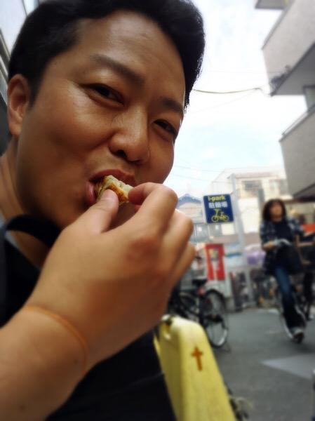 栗栖誠紀カメラマンの写真展と亀戸餃子|行政書士阿部総合事務所