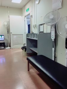 東京法務局の国籍課には扇風機が3台もある。|行政書士阿部総合事務所